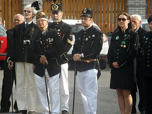 Zástupci hornických spolků z Příbrami i z dalších měst, baráčníci, hasiči a obyvatelé si připomněli smutné 125. výročí od požáru v dole  Marie na Březových Horách.