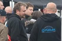 Cíl 36. ročníku PURUM Rally Příbram. Ředitel soutěže Jan Chvála.