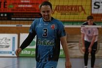 RADOST. Šťastný kapitán příbramských volejbalistů Martin Böhm se mohl po utkání s ČZU Praha konečně po třech zápasech radovat z vítězství.