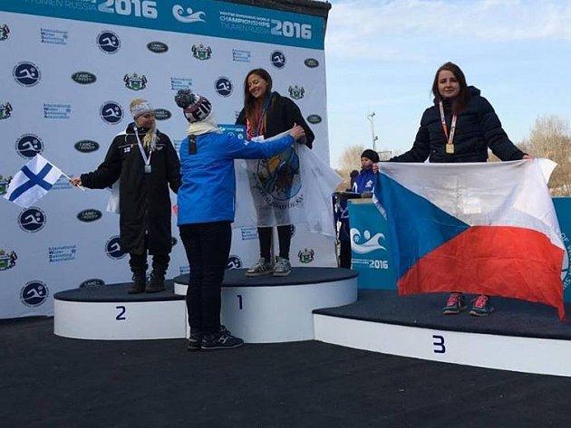 PŘÍBRAMAČKA Lucie Leišová patří knejlepším plavcům světa. Ze zimního mistrovství vplavání vRusku se vrátila sbronzovou medailí.