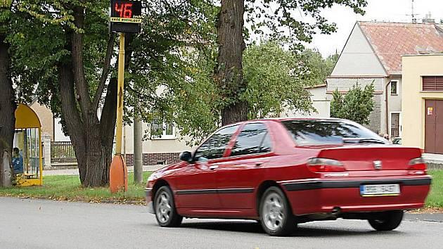 Tabule měřící rychlost v Příbrami pod Svatou Horou