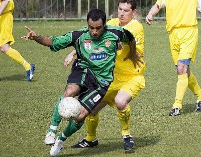 Michel Costa nastoupil ve středu záložní řady Marily B. Ani on však prohře nezabránil.