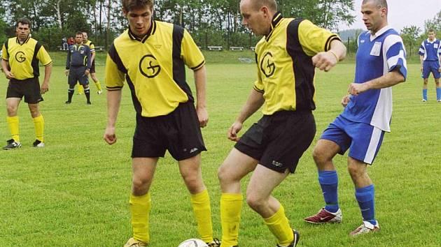 Smolotely přežily v Narysově i penaltu a vyhrály 2:1.