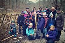 Akce pro děti Do lesa s lesníkem, kterou připravuje Nadace dřevo pro život.