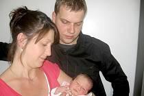 Od pondělí 13. května mají maminka Maruška a tatínek Pepa z Milína radost ze svého prvního děťátka – dcerky Adélky Kobíkové, která v ten den vážila 2,72 kg a měřila 47 cm.
