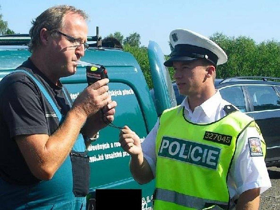 S plánovaným odjezdem lidí na dovolené a prázdniny bude i více policistů na silnicích Příbramska.