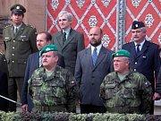 Jaroslav Vácha (vpravo dole) ještě jako velitel jinecké posádky na fotografii z roku 2005.