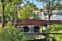Dřevěné lávky pro pěší u mostu ve Špitálské ulici v Příbrami možná zmizí.
