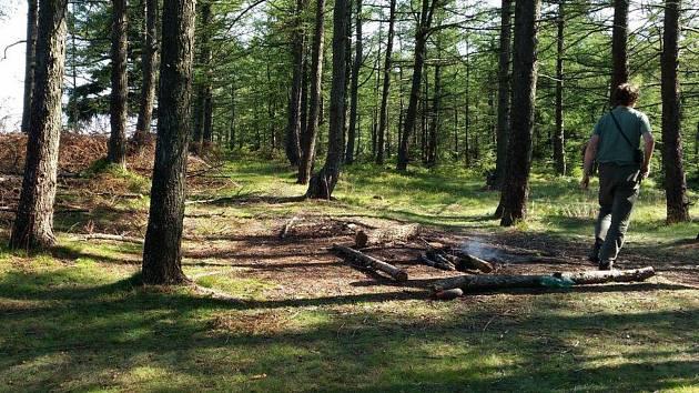 Táboření je v Chráněné krajinné oblasti Brdy zakázané.