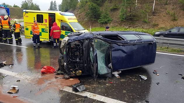 Nehoda osobního automobilu zablokovala D4.