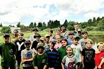 Děti z rybářského kroužku v Rožmitále pod Třemšínem se rozloučily se školním rokem a přivítaly prázdniny soutěží v rybolovu.