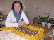 Cukrářka Andrea Žižková ve své výrobně, kterou považuje za splněný sen.