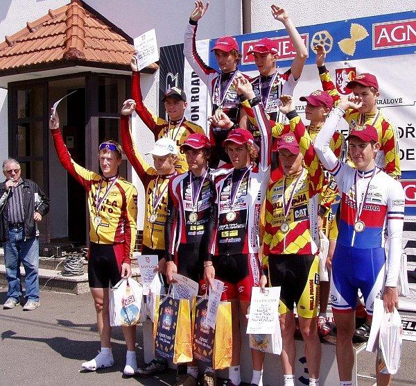 Pohled na stupně vítězů po závodě družstev ČP mládeže byl velice příjemný - družstvo CK Windoor´s ve složení Danačík, Novák, Švestka, Pečl totiž stálo na nejvyšším stupínku.