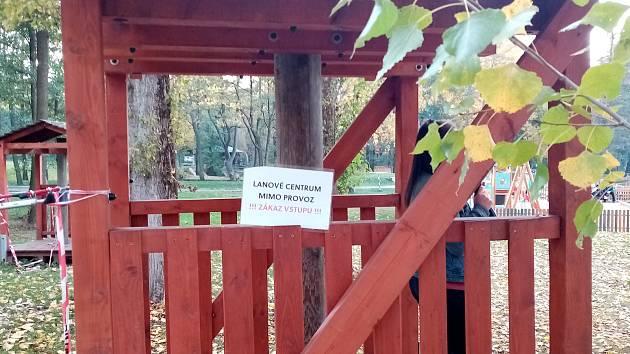 Lanový park v areálu Nového rybníku v Příbrami.