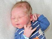 HONZÍK MACKE se narodil v pondělí 22. května o váze 3,70 kg a míře 52 cm rodičům Lence a Michalovi z Krásné Hory.
