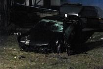 Při dopravní nehodě v Dublovicích zemřel mladý řidič, spolujezdce odvezli záchranáři do nemocnice