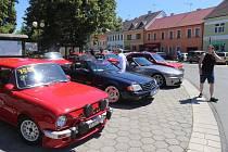 Po tříleté pauze se do Petrovic vrátili účastníci závodu motoveteránů Chotovinské zatáčky.
