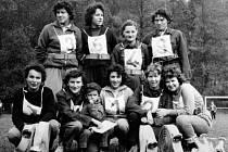 Ženské družstvo Sboru dobrovolných hasičů v Novém Kníně.