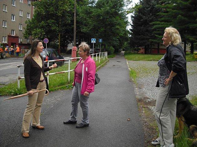 Ulici 28. října v Příbrami čekají změny. Debaty o kácení v červnu roku 2011.