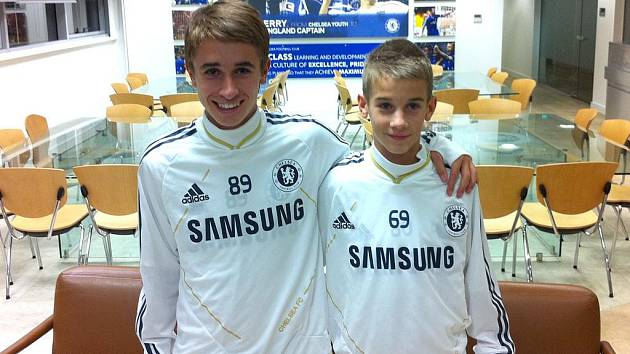 Dominik Mašek (vlevo) a Václav Černý. Dva talenty 1.FK Příbram byly na stáži v Chelsea.