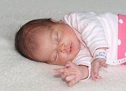 Valerie ČURDOVÁ se narodila 11. května s váhou 3,27 kg a mírou 50 cm Markétě a Zbyňkovi z Příbrami. Doma čeká Vilma (3).