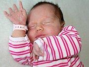TEREZKA WIEDERMANNOVÁ se narodila v pátek 2. června o váze 3,80 kg a míře 51 cm Lucii a Tomášovi z Velké Hraštice. Pomáhat jim bude tříapůlletý Tomášek.