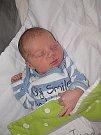 PEPÍČEK Rantl, synek maminky Marie a tatínka Josefa z Příbrami, se prvně rozhlédl po světě v pondělí 3. října, vážil 3,09 kg a měřil 48 cm. Klukovský svět mu bude ukazovat devítiletý bráška David.