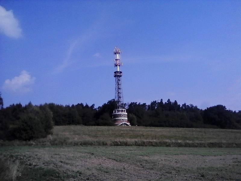 Rozhledna Kuníček na vrchu Hodětín  roku 2008.