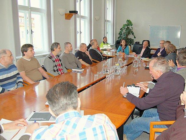 Jednání s majiteli a provozovateli heren na příbramské radnici.