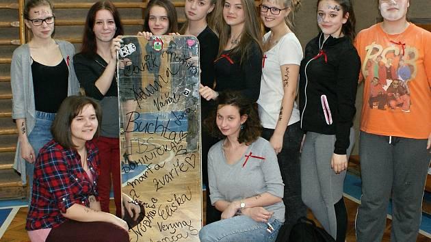 Studenti třetího ročníku březnické střední školy.