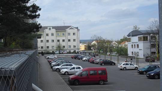 Zpoplatnění čeká parkoviště u autobusového nádraží.
