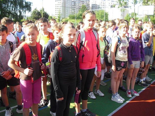 Sportovní olympiáda ve školní ulici v Příbrami.