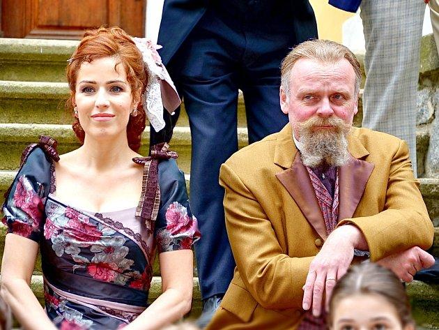 Ve filmu hraje také Soňa Norisová a Igor Bareš.