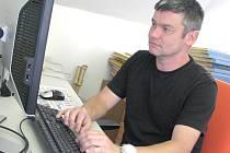 Trenér David Vavruška, když byl v redakci Deníku v létě na on-line rozhovoru.