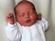 LUKÁŠEK KRAUSE se narodil v sobotu 18. března Anně a Tomášovi z Králova Dvora, vážil 3,16 kg. Malého brášku budou ochraňovat Tomík a Kubík.