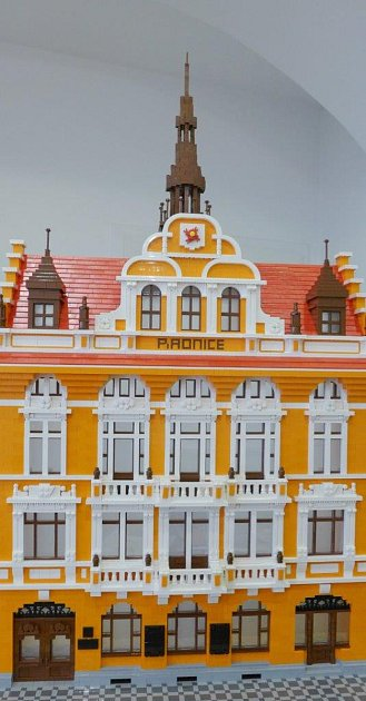 Kvidění na výstavě budou modely reálných ifiktivních budov, vozidel a další.