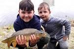 Mladí rybáři z rožmitálského kroužku.