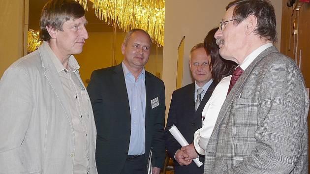 Václav Vydra na semináři v Parlamentu.