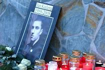 V sobotu se koná pietní vzpomínka na zavražděného Jana Kučeru, kterého smrtelně zranil Jiří Fous v restauraci Na Chmelnici.