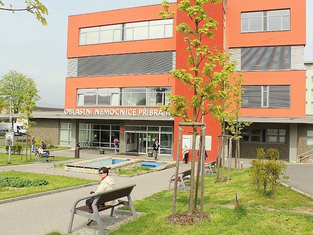 Oblastní nemocnice Příbram, hlavní budova, kde se konají osvětové akce pro veřejnost.