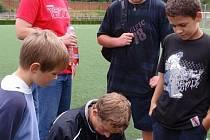 Šance pro každého. Na třetím tréninku vypomáhal šéftrenérovi mládeže 1.FK Příbram i Daniel Huňa.
