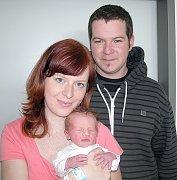 Od neděle 24. dubna má maminka Veronika spolu s tatínkem Davidem z Drhovců radost z prvorozeného syna Vojtěcha Lundáka, který v ten den vážil 3,21 kg a měřil 49 cm.