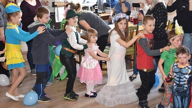Zdabořský dětský karneval v hostinci U Pletánků v Příbrami.