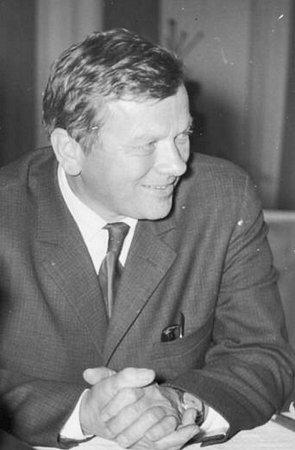 František Kadeřábek byl významným lékařem, který byl prvním přednostou interního oddělení vtehdejší příbramské nemocnici.