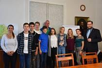 Mladí sportovci navštívili příbramskou radnici.