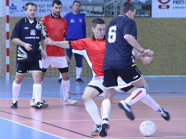 OP futsalistů: Knockout 83 team - Viva Hudčice (13:8).