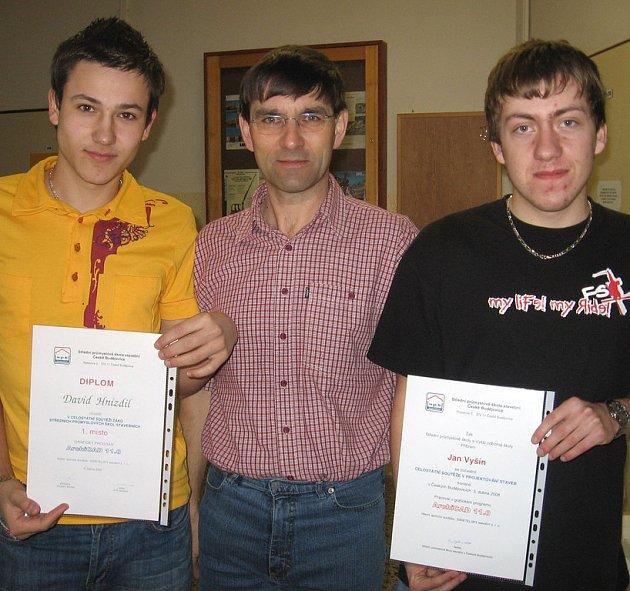 Zleva vítěz David Hnízdil, Václav Svoboda a Jan Vyšín