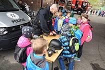 Společně s hasiči představili svoji techniku dětem i záchranáři a Policie ČR.