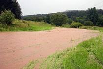Rozvodněný Líšnický potok.