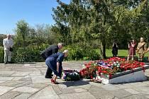 Uctít oběti konce války přijeli také politici.